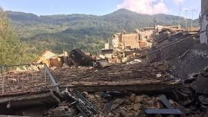 Terremoto, tesoro da milioni di euro tra macerie di una casa di Pescara del Tronto