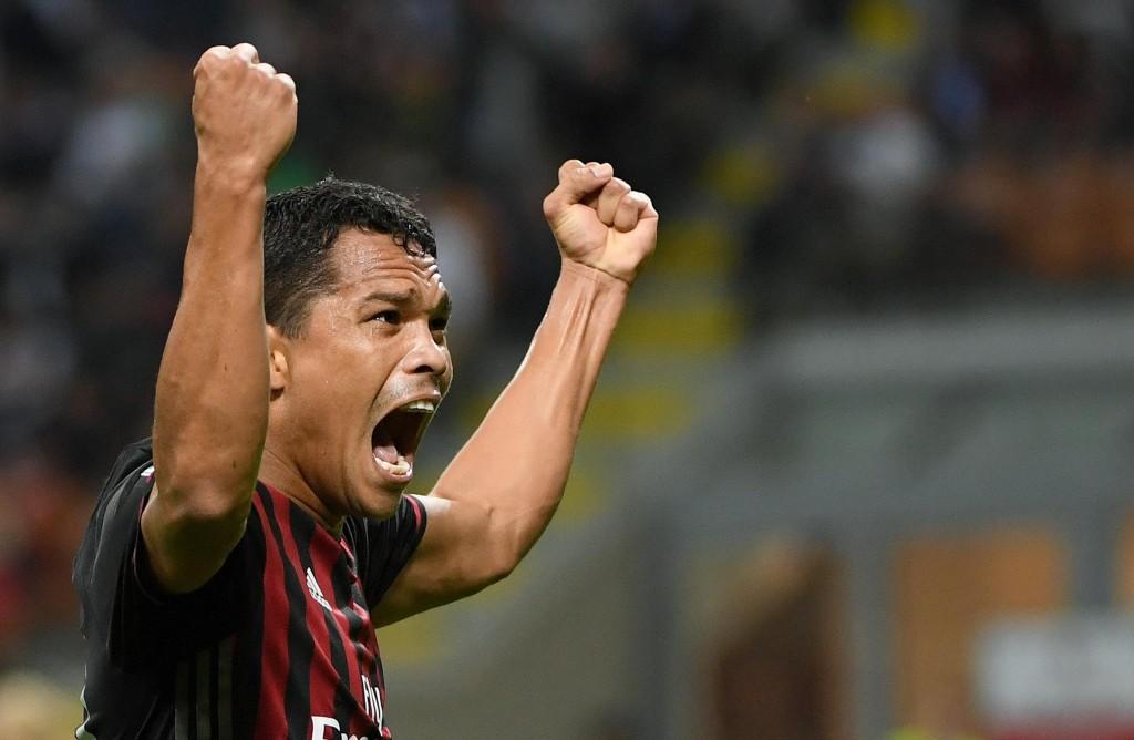 Milan-Lazio 2-0, Bacca esulta dopo il gol (foto Ansa)