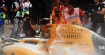 VIDEO YOUTUBE F1 Gp Malesia: in fiamme la Renault di Kevin Magnussen