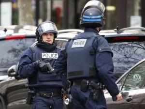 Parigi, presi ostaggi a Les Halles