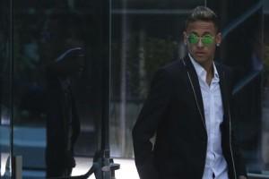 Neymar debutta come cantante: lo annuncia con hashtag #Neymusico