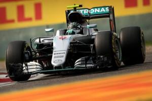 Guarda la versione ingrandita di F1, Gp Singapore. Ordine arrivo, classifica piloti-costruttori. Trionfo e vetta Rosberg, Ferrari manca podio  (foto Ansa)
