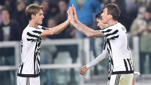 Juventus, Asamoah e Rugani out per 45 giorni: tegola per Allegri