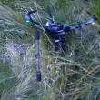 Ad 8 anni gioca a golf e colpisce con la palla drone in volo3