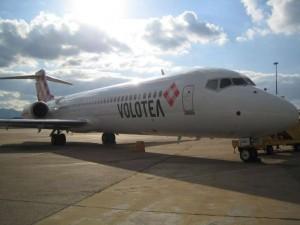 Cagliari, aereo Volotea in avaria: chiuso aeroporto