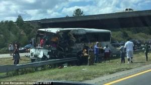 Usa, bus squadra football si ribalta: 4 morti, 40 feriti