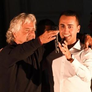 """Guarda la versione ingrandita di Beppe Grillo: """"Raggi avanti ma vigileremo"""". La sindaca scarica Marra"""