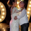 Coppia di nani sposi: si sono conosciuti sul set di Biancaneve8