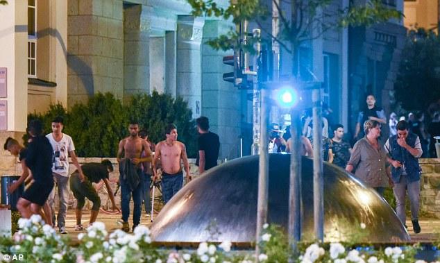 Germania, 80 neonazisti attaccano 20 richiedenti asilo 3