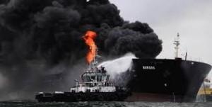 Guarda la versione ingrandita di YOUTUBE Golfo Messico, petroliera esplode: 150mila barili in fiamme