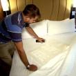Hotel cambiano le lenzuola? Esperimento della tv Usa1