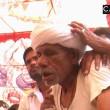 India, si fa mordere sulla lingua da un cobra per sballarsi
