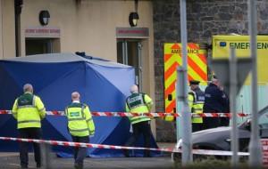 Guarda la versione ingrandita di YOUTUBE Irlanda, ambulanza esplode davanti ospedale: paziente a bordo muore