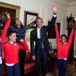La spaccata di Barack Obama all'incontro con gli atleti11