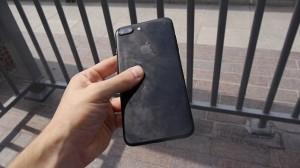 Lancia iPhone dal 148esimo piano. Scende e lo cerca...senza trovarlo33