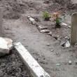 Lecce, forte maltempo al cimitero sprofondano le bare
