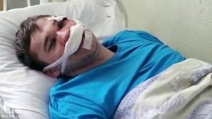 Guarda la versione ingrandita di YOUTUBE Medico gli chiede impegnativa, paziente lo massacra di botte