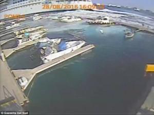 Messina, nave da crociera Carnival Vista provoca mini tsunami 111