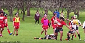 Guarda la versione ingrandita di YOUTUBE Rugby, a 9 anni è troppo grosso: genitori squadra avversaria protestano