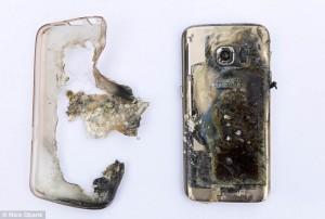 Samsung Galaxy 7 le esplode in mano nella caffetteria