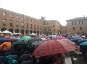 Festival della Filosofia, in coda sotto la pioggia: è Modena o Londra? FOTO