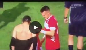 """YOUTUBE Pisa, calciatori strappano camicia a Gattuso: """"Costa troppo, non possono ripagarla"""""""