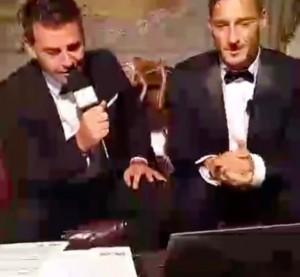 VIDEO - Francesco Totti diretta Facebook per festeggiare 40 anni
