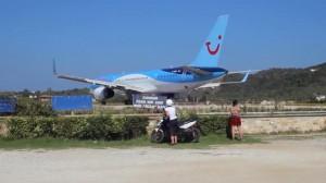 Skiathos, Boeing sta per alzarsi in volo