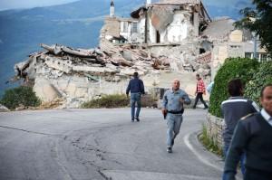 "Terremoto, sindaco Amatrice: ""Da venerdì via dalle tendopoli"""