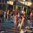 Texas, mega rissa in piscina tra turisti britannici3