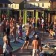 Texas, mega rissa in piscina tra turisti britannici2
