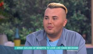 Spende 23mila euro per assomigliare a Beckham. Con scarsi risultati