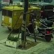 Tuk tuk incustodito in Cina: bimbo di tre anni sale e...