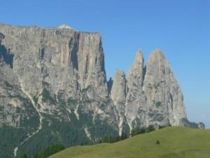 Alto Adige, 2 climber ventenni precipitano da Punta Santner: morti