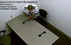 VIDEO YOUTUBE Accusato di omicidio, rompe le manette e scappa