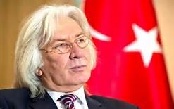 L'ambasciatore in Germania Huseyin Avni Karslioglu