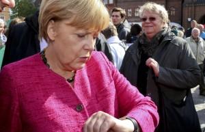 Guarda la versione ingrandita di Angela Merkel, dopo sconfitta elezioni torna a parlare di espulsioni di migranti