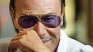 Antonello Venditti maxi rissa al concerto: botte ai carabinieri