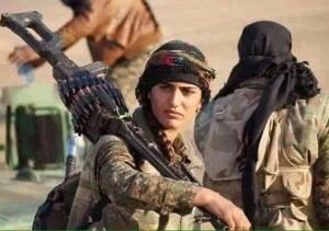 Guarda la versione ingrandita di Asia Ramazan Antar, l'Angelina Jolie curda anti-Isis, è morta