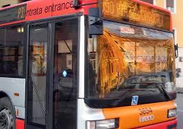 Roma, conducente Atac tamponato e picchiato a bordo del bus