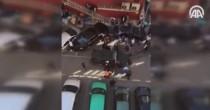VIDEO YOUTUBE Distrugge auto e minaccia passanti col machete