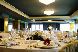 Udine, cena da 4mila euro: rom scappano senza saldare