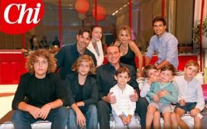 """Guarda la versione ingrandita di Berlusconi, FOTO Chi: """"A 80 anni mi sento un patriarca. Marina è madre, sorella, figlia"""""""