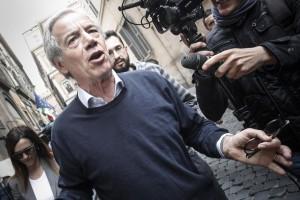 Guarda la versione ingrandita di Terremoto L'Aquila, Bertolaso assolto dall'accusa di omicidio colposo