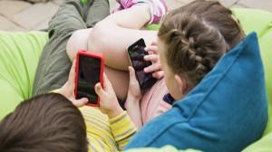 Internet, 24% in più in un anno di bimbi abusati online