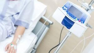 Cancro, chi truffa i malati e quanti sono i medici ciarlatani?