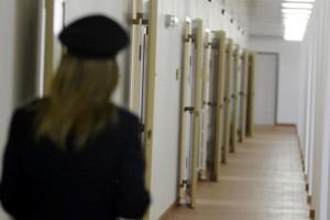 Rapporti intimi in carcere tra poliziotte e detenuti. Indagine a Brescia
