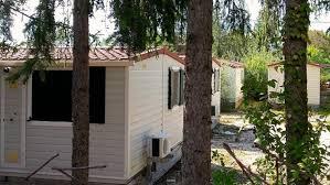Amatrice: il caso delle casette di legno donate dalle associazioni agli allevatori senza tetto. Il Comune ordina lo sgombero: sono abusive