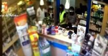 YOUTUBE Catania, rapinavano farmacie col casco: arrestati