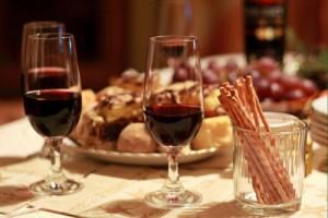 Cenare dopo le 19 fa male al cuore: lo dice la scienza